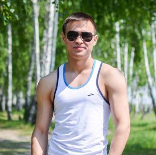Амир Исамов